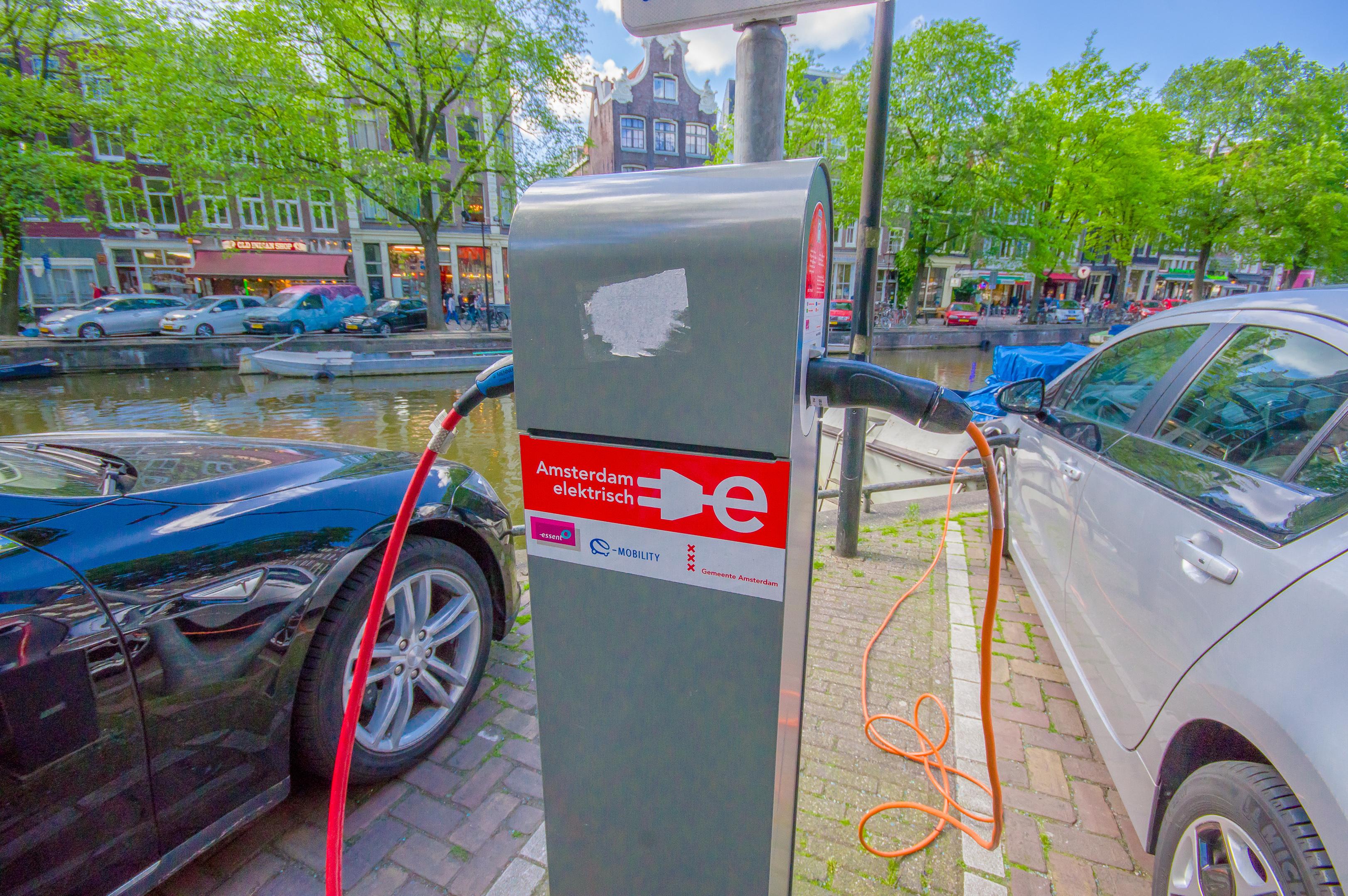 Elektrisch Rijden In Amsterdam En In Doetinchem Amt