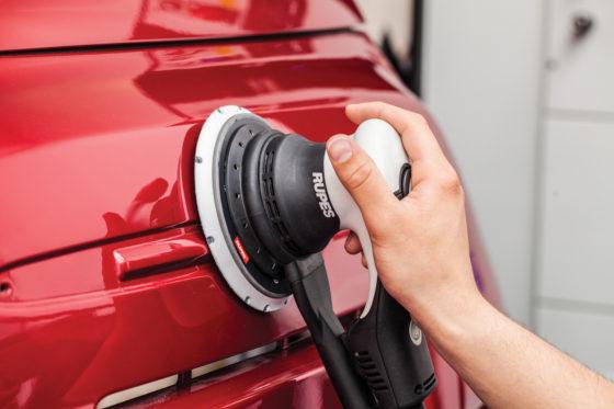 WSB Finishing Equipment: Rupes Skorpio E – prijs op aanvraag. Elektrische excenter schuurmachine met koolborstelloze motor. Blijft ook bij hoge belasting goed op toeren, het ontbreken van de in elektrisch gereedschap gebruikelijke koolborstels betekent minimaal onderhoud en maximale betrouwbaarheid.