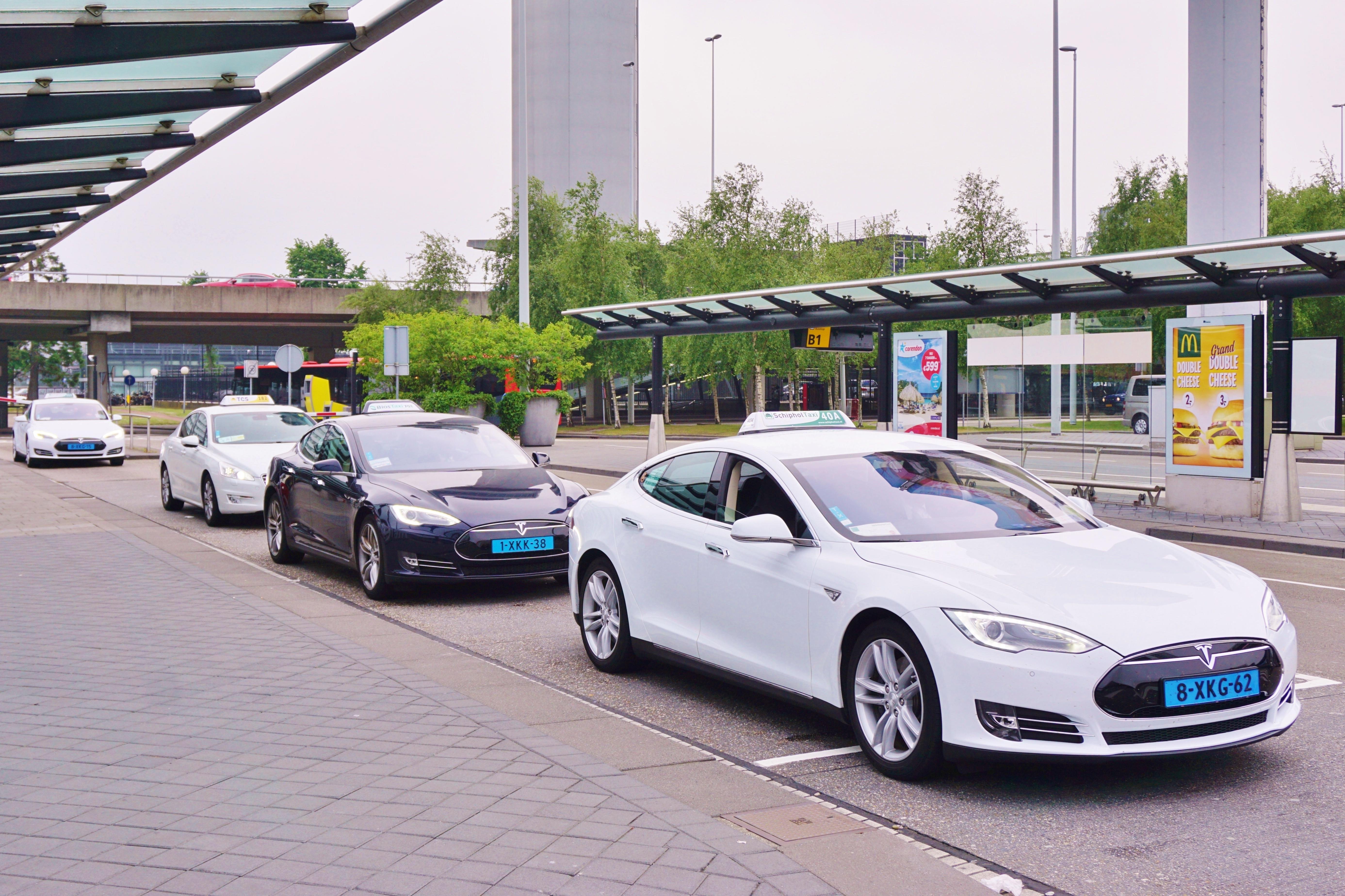 Elektrische Auto Speeltje Voor De Rijken Amt