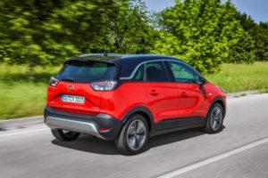 Gaat als de brandweer, de compacte Opel Crossland X, zoals alles in suv-stijl warm wordt ontvangen. Maar naar het schijnt klaagt de nieuwe eigenaar PSA wel dat Opel het in de EU voor 2021 verwachte CO₂-gemiddelde lang niet kan halen.
