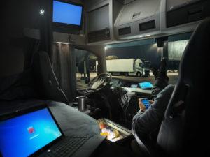 """""""Chauffeurs kunnen genieten van meer comfort en betere leefomstandigheden in de cabine. Ze weten dat ze altijd over voldoende vermogen beschikken en lopen een minimaal risico dat de energie van de startaccu's wordt uitgeput"""", zegt Samuel Nerdal"""