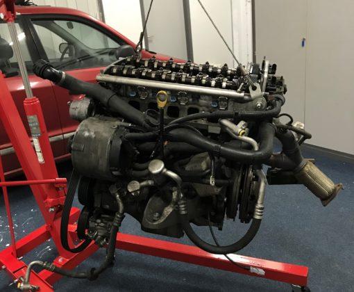 Met het motorblok uit de Porsche kan Olliegasselt mooi alles zien.