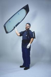 Ford past als eerste autofabrikant ter wereld exoskeletten toe in het assemblageproces van voertuigen. Dit verlicht werkzaamheden van de technici. 100 werknemers in de Ford-productiefaciliteit in het Spaanse Valencia maken inmiddels gebruik van een 'Iron Man' exoskelet.