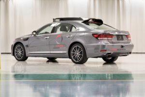 Toyota Research Institute onderzoekt autonoom rijden met dit 'platform 3.0', vol uitsteeksels met sensoren erin. De realiteit, dit is wat je nodig hebt om een auto volledig zicht rondom te geven.