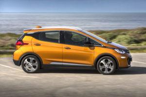 De vaart zit er goed in bij Opel, ook de elektrische Ampera-E telt nu mee. Maar het echte succesnummer is de kleine gezinswagen Karl.