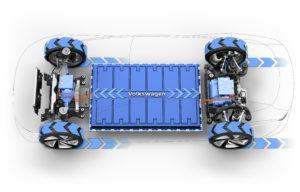 Natuurlijk is de I.D. Vizzion helemaal elektrisch, op het Volkswagen MEB-platform met 111 kWh batterij, 75 kW motor voor en 150 kW achter, besturing ook voor en achter, tot 665 km rijbereik.
