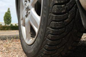 Winterbanden in de zomer, uitdaging voor het autobedrijf!