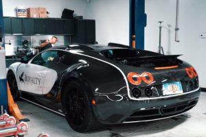 Video: Beunen aan je eigen Bugatti Veyron verstandig?