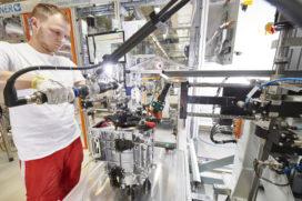 Video: Hightech Audi-motorenfabriek, én: Wat voor motoren kom je tegen in elektrische auto's?