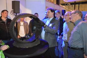Tijdens Auto Prof - AMT Live Gorinchem nam Michiel van Koeverden van Vredestein de bezoekers mee in de analyse van een bandenklant.