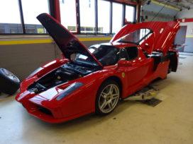Stap voor stap: koppelingsplaat Ferrari Enzo vervangen
