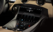 Blackberry integreert Android-apps veilig in de auto