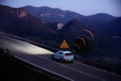 Volvo's waarschuwen elkaar voor gladheid en gevaar
