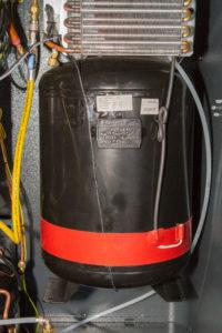 Airco-service-onderhoud-vulmachine-koudemiddel-tank-weegschaal