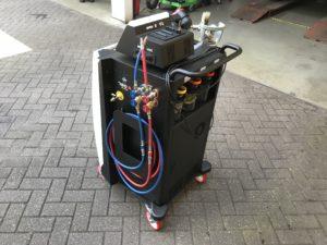 Aircoservice-auto-onderhoud-AMT-3-recycle-koudemiddel-airco-olie-texa