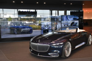 Mercedes Benz opent flagship store in Den Haag