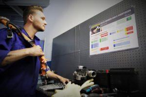 Veilig werken aan hybride/EV: Zo volg je altijd de juiste stappen!