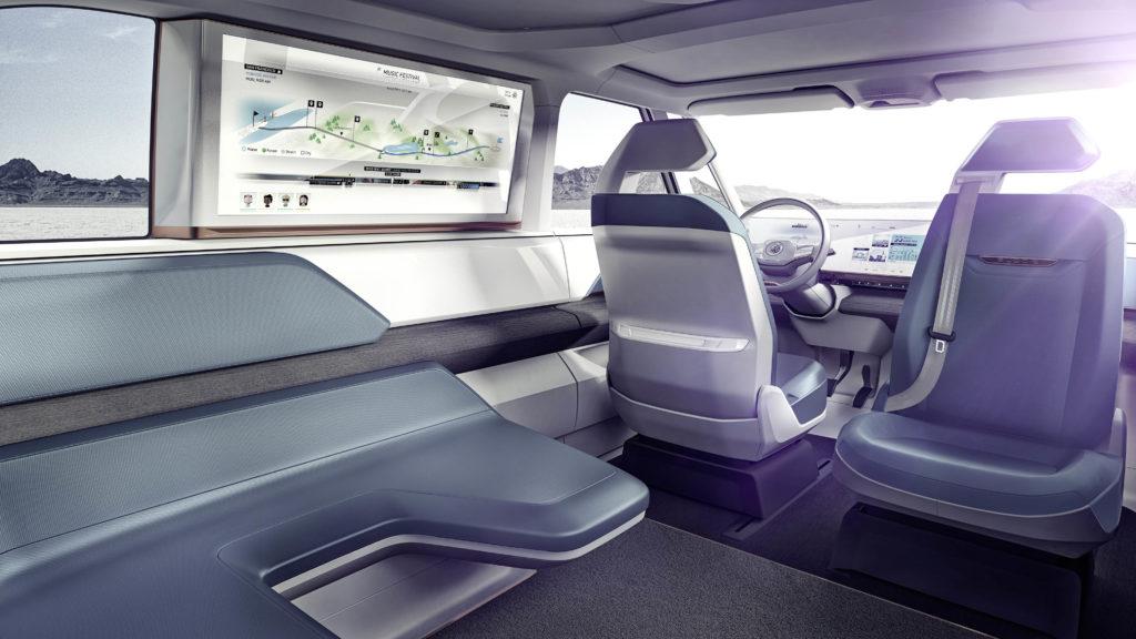 Principe 10, de autonome auto moet er rekening mee houden dat inzittenden andere zitposities kunnen innemen tijdens geautomatiseerd rijden, en wat dat voor gevolgen heeft voor hun veiligheid.