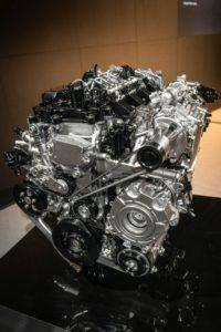 Mazda gebruikt de starter-generator om stroom te genereren tijdens opschakelen.